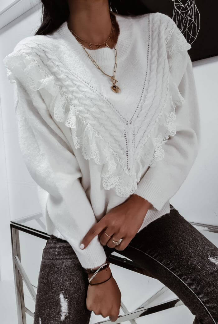 SWETER  KREMOWY Z FALBANKA EXQUISSES 2